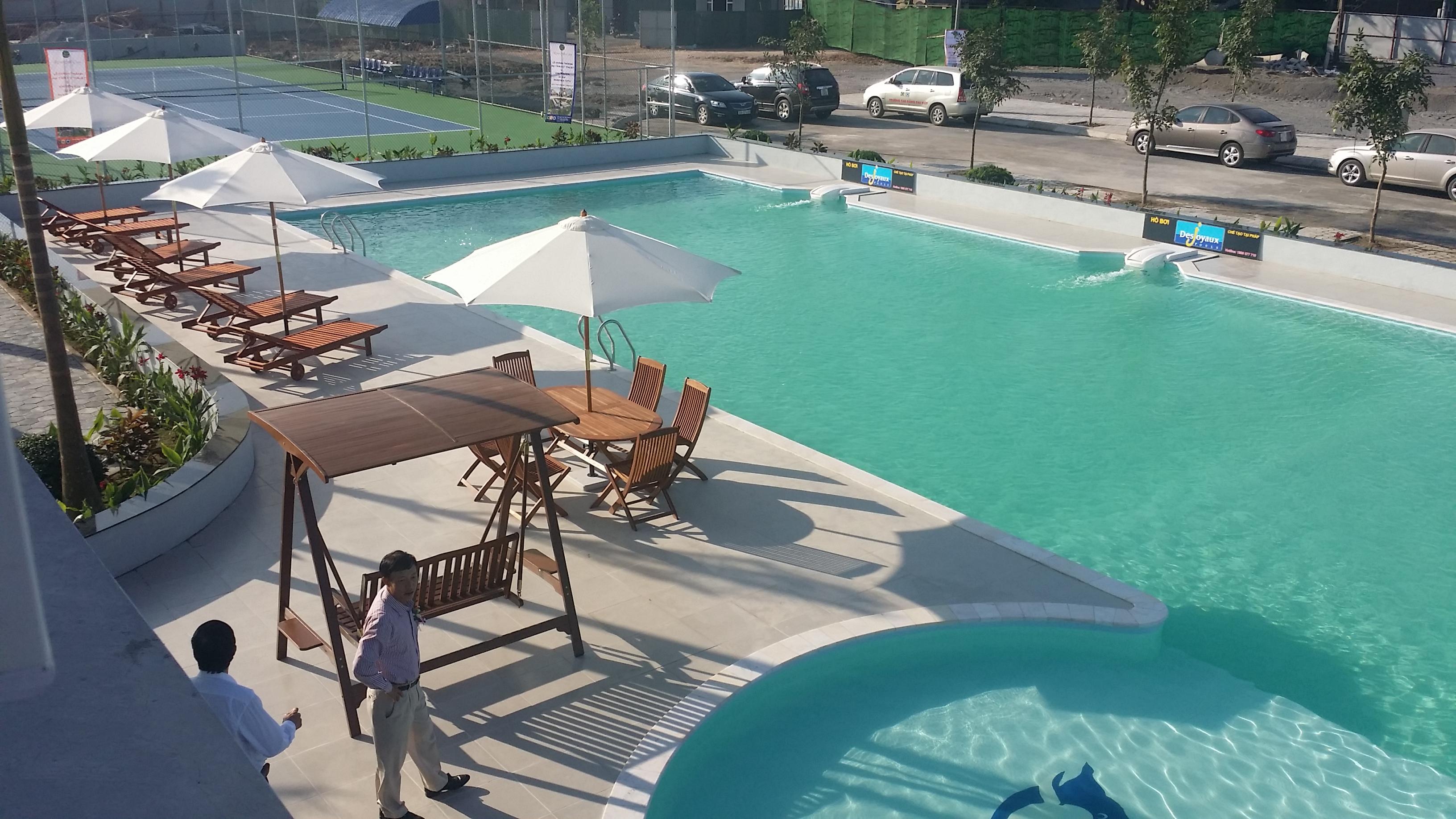 Bể bơi.jpg